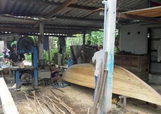 Das Boot selbst entsteht in Gemeinschaftsarbeit.