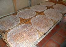 Reispapier wird zum Beispiel für Frühlings- oder Sommerrollen verwendet.
