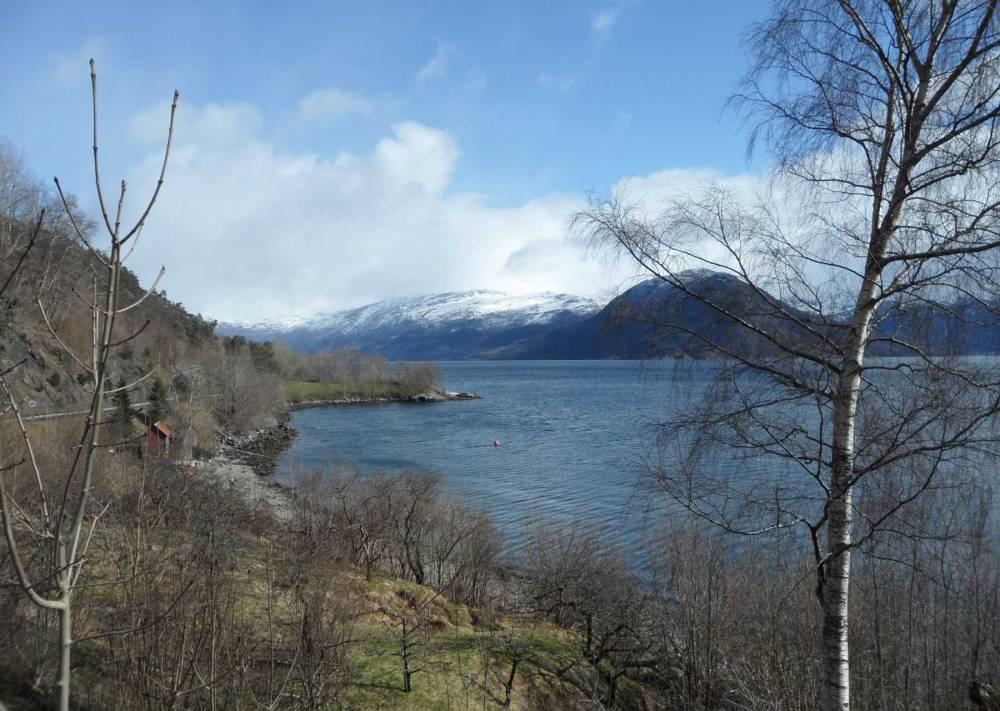 Norwegischer See im April