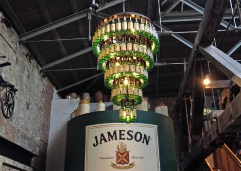 Eine Verkostung mit echtem Irish Jameson Whisky ist natürlich inbegriffen.