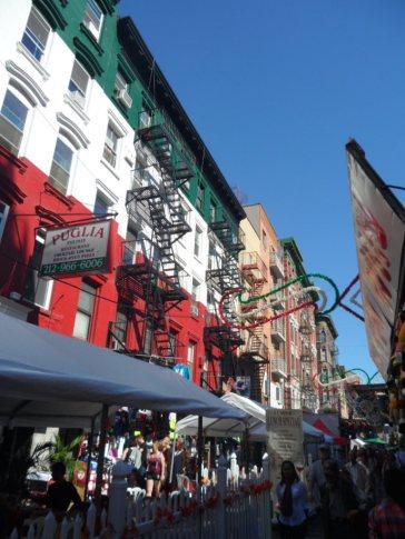 """Auch farblich haben sich die Gebäude ganz """"Bella Italia"""" verschrieben."""