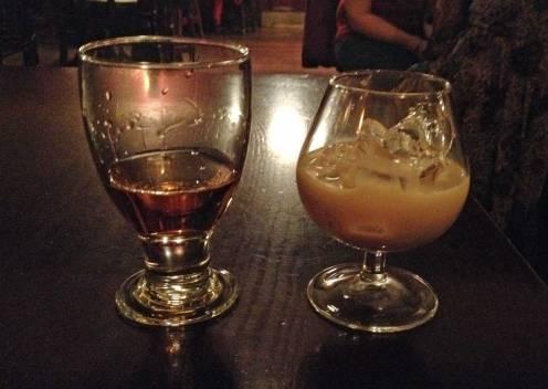 """Wer lieber """"harte"""" Getränke trinken möchte, ist mit Whiskey und Baileys gut beraten."""