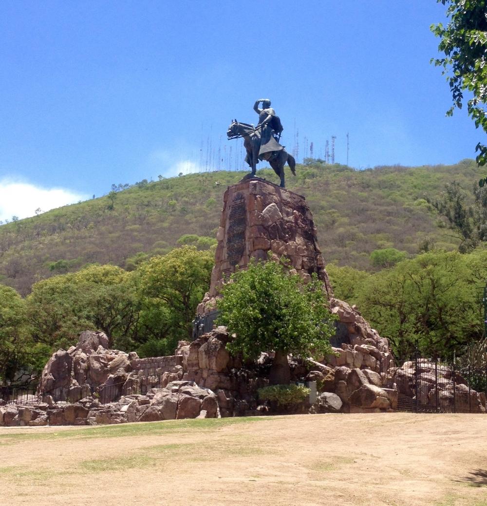 Denkmal für den Freiheitskämpfer Martin Miguel de Güemes in Salta