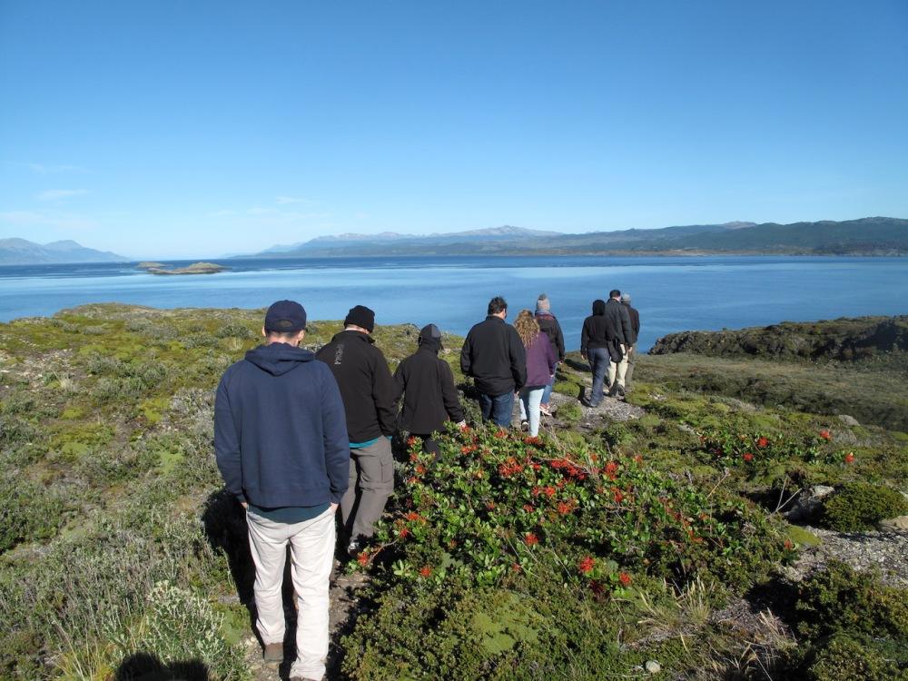Wanderung über eine Insel im Beagle-Kanal
