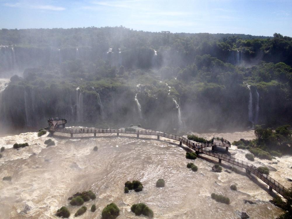Aussichtsplattform über die Wasserfälle von Iguazu