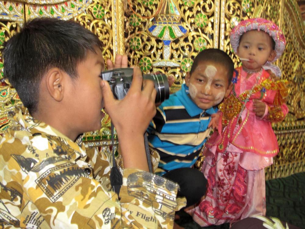 Kinder in Myanmar fotografieren