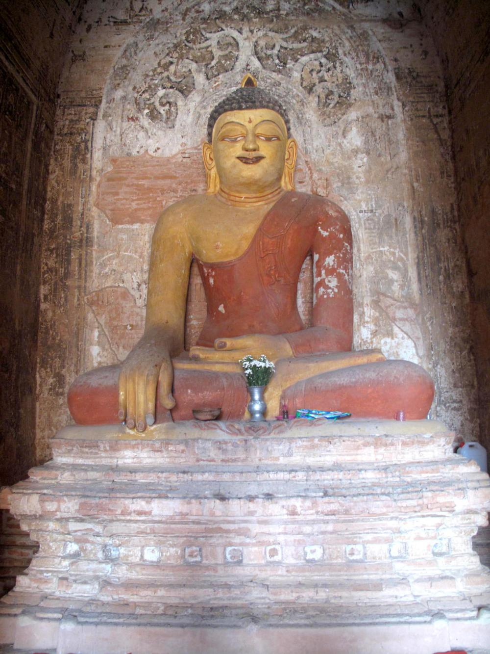 Buddha-Statue in Bagan