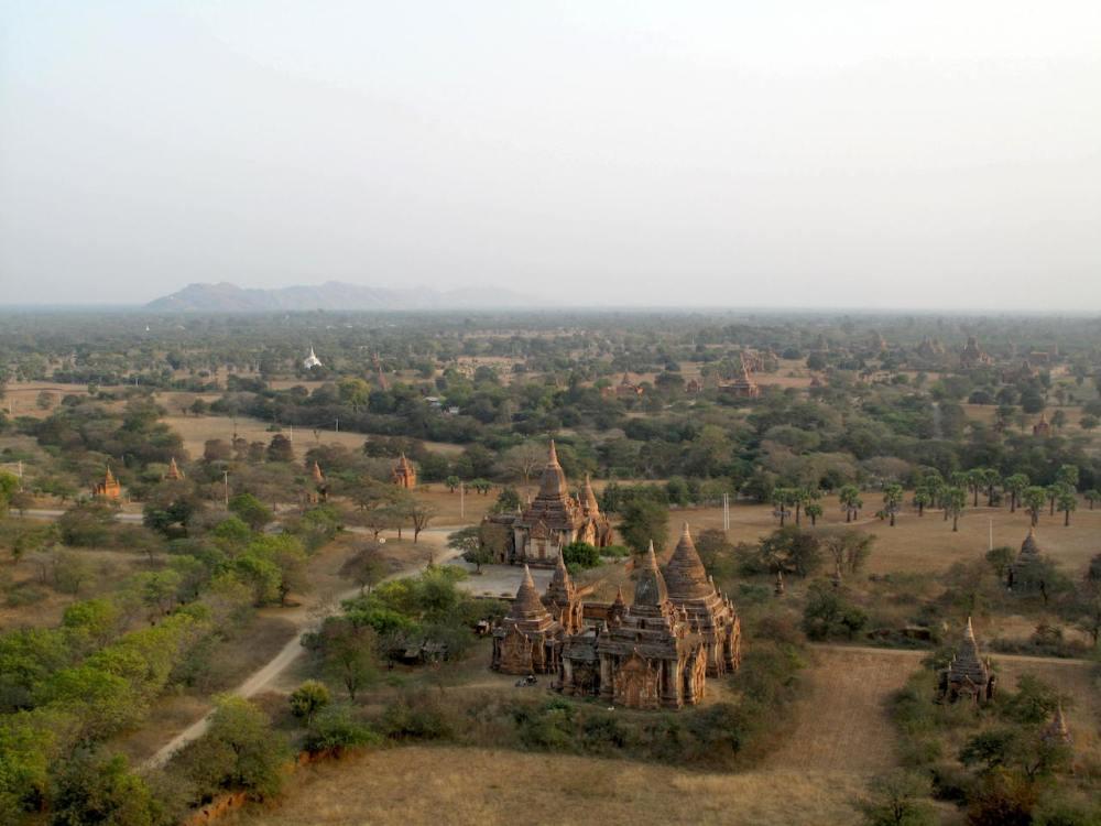 Pagodenfeld von Bagan in Myanmar