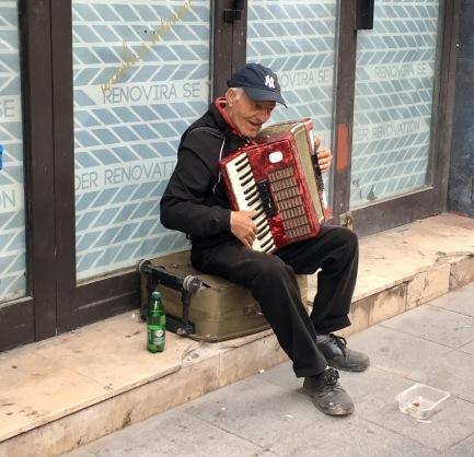 Die Musik vom Balkan ist meist melancholisch und hoffnungsvoll zugleich.