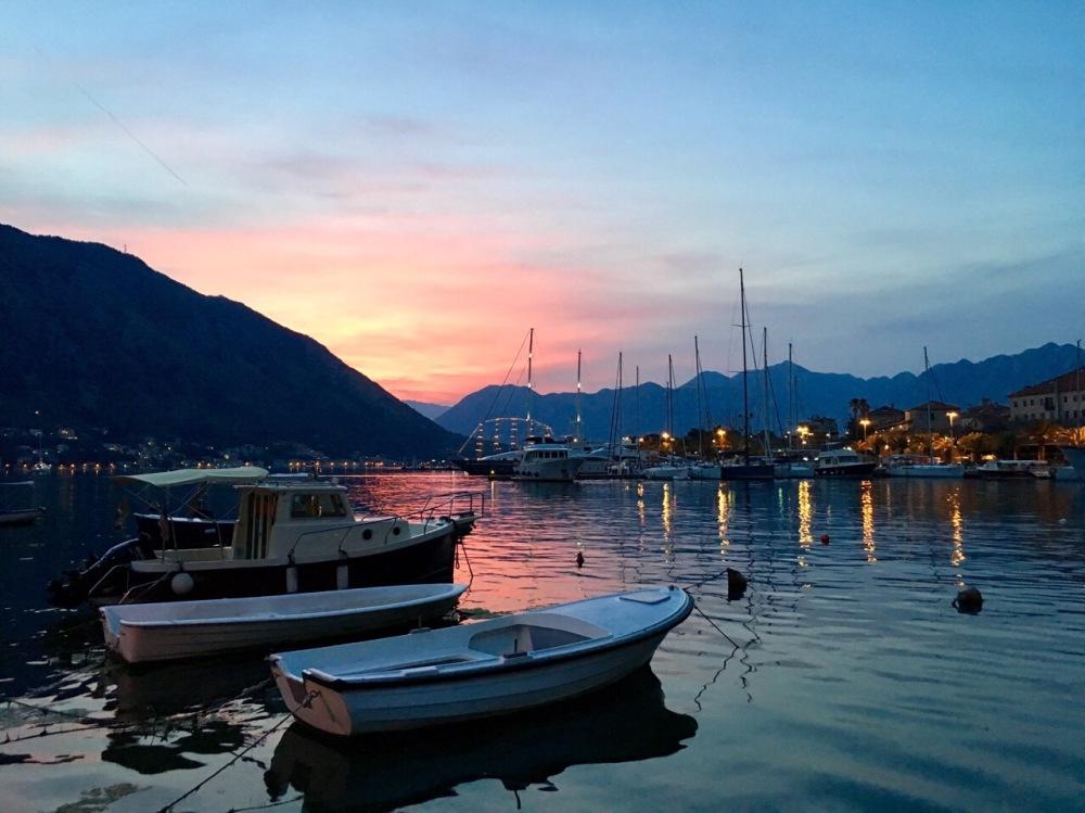 Sonnenuntergang in Kotor, Montenegro